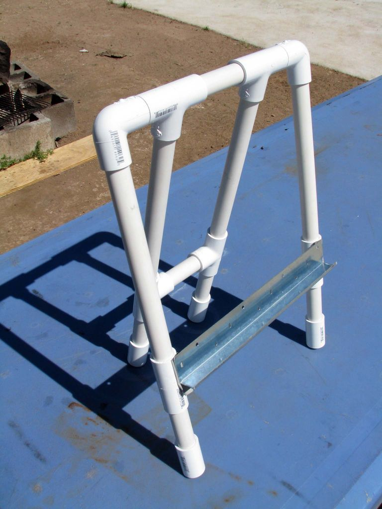 Pvc easel pvc projects pvc pipe and school for Pvc pipe art ideas
