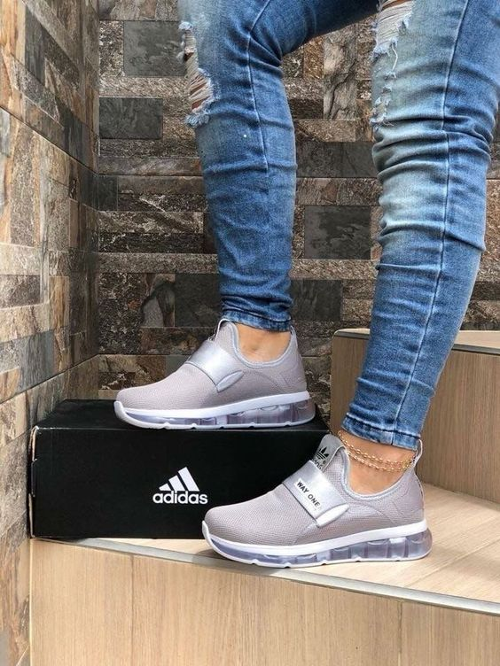 35 Women Sports Shoes To Look Cool (con imágenes) | Zapatos ...