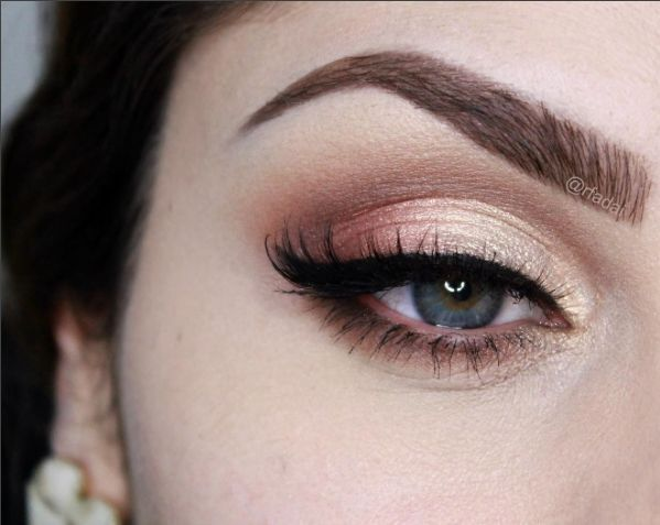 Soft Shimmery Gold And Peach Eye