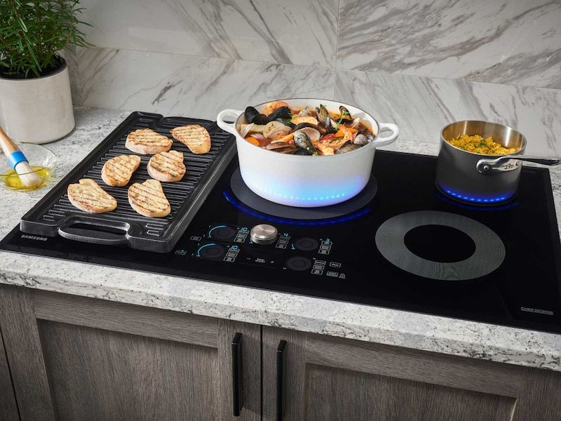 36 Inch Induction Chef Collection Cooktop Nz36m9880ub Aa Samsung Us Induction Cooktop Induction Cookware Cooktop