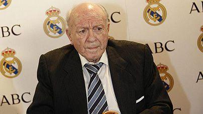 Alfredo di Stefano, une de le mejor jocators de futbol de le munde