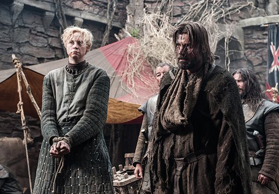 Lady Brienne And The Kingslayer Making Game Of Thrones Game Of Thrones Winter Game Of Thrones 3