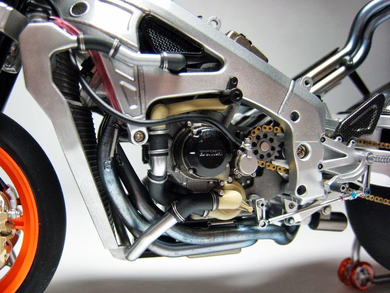 Racing Scale Models: Honda RC 211V V.Rossi Phillip Island 2003 by Luyan Wen (Tamiya)