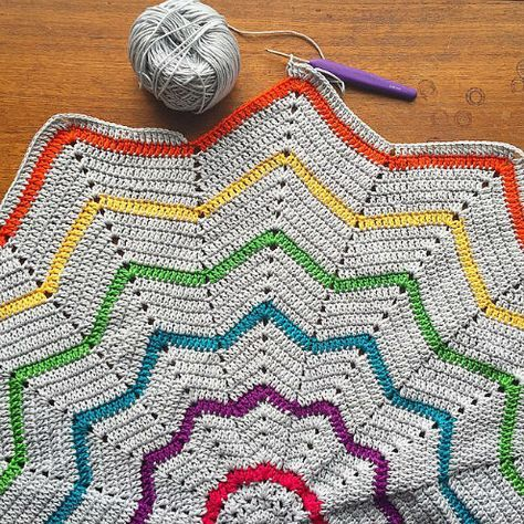 Crochet blanket love: rainbow blankets!