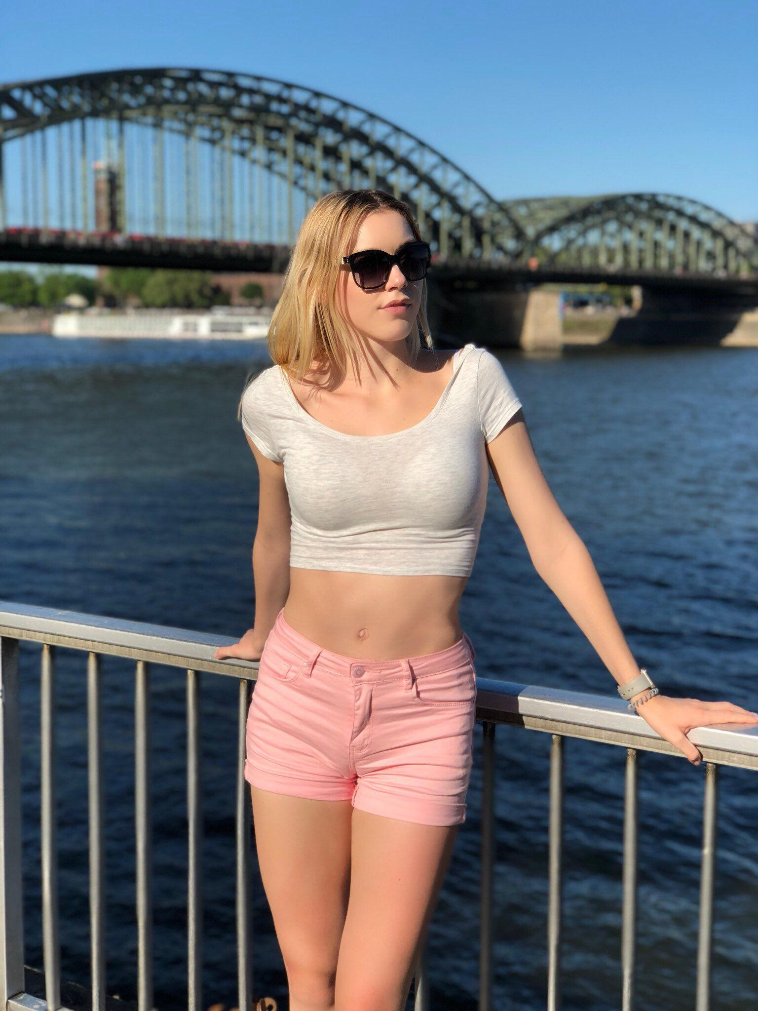 Aurora anny Anny Aurora