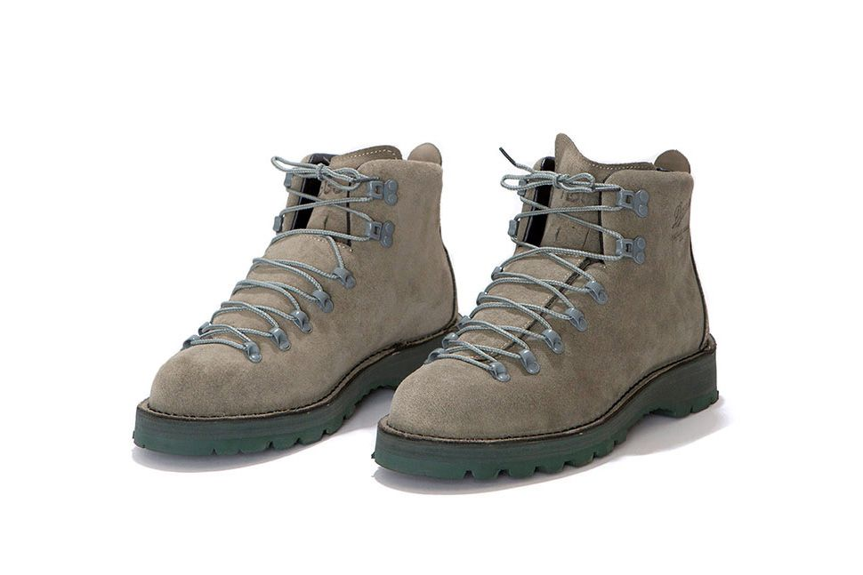 HOBO X DANNER - S/S 2016 - MOUNTAIN LIGHT BOOTS • Guillotine ...