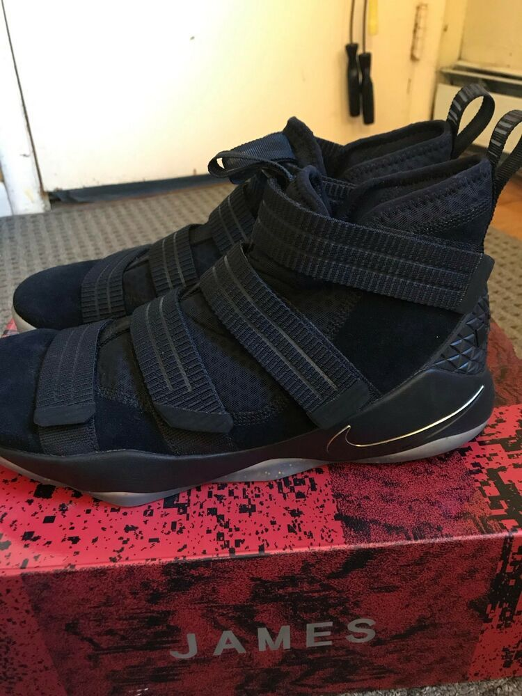 info for d0ddd 5cddc Lebron Soldier 11 SFG Black/Gold Size 12 Great Condition ...