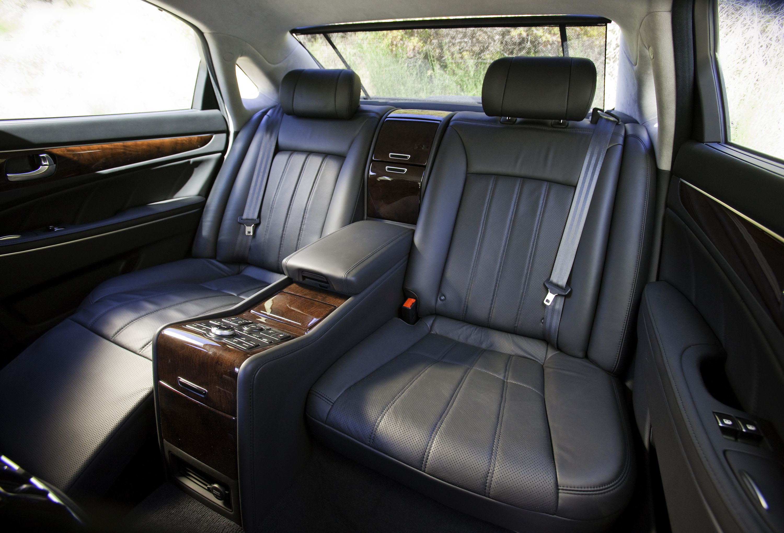 The Hyundai Equus Interior Backseats It Even Has Massage Rollers Hyundai Luxury Cars High End Cars