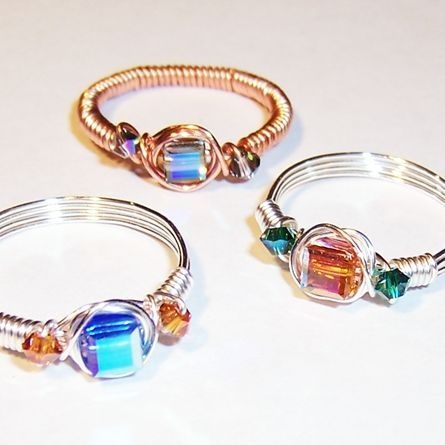 Free wire wrap ring tutorial! square bead + bicones + wire = voila ...
