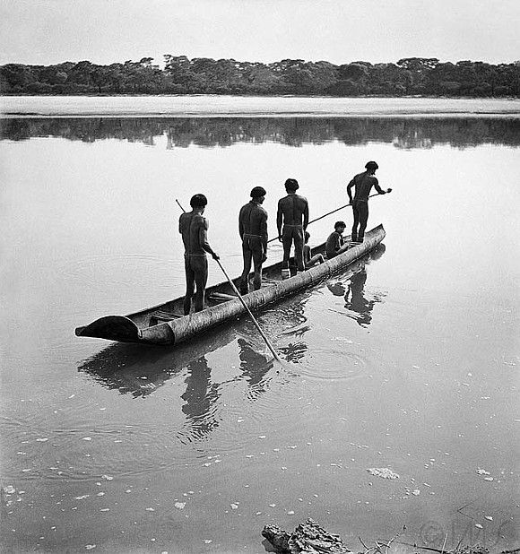 #Brazilindians #AmazonRainforest José Medeiros: Índios Calapalo (1949). Mato Grosso (Acervo IMS)