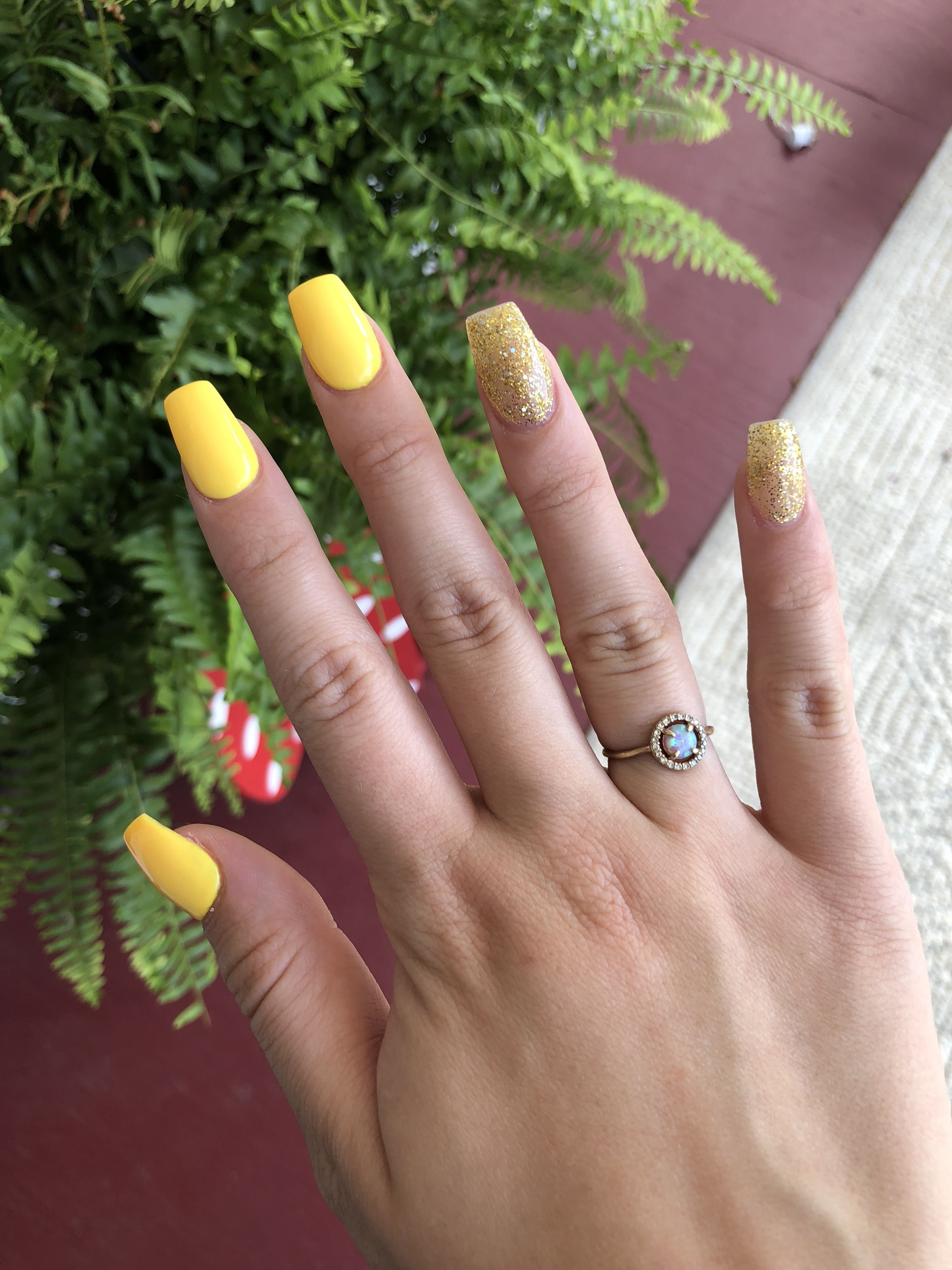 Yellow Acrylic Coffin Nails With Glitter Acrylicnailsideas Acrylic Nails Yellow Yellow Nails Arylic Nails