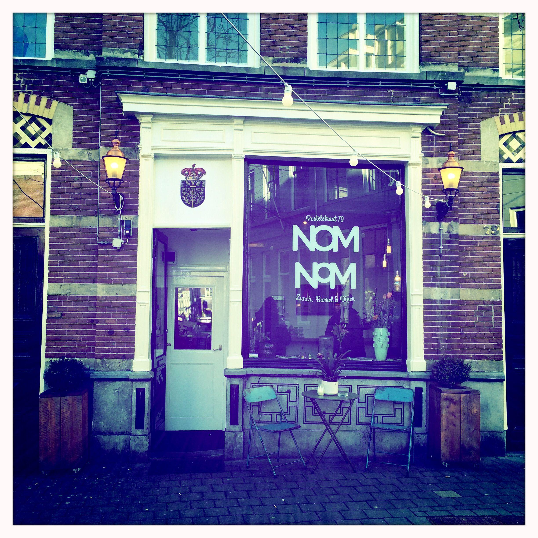 Nom Nom Den Bosch. Breakfast & Lunch hotspot. Don't panic it's organic. Healthy yoghurt, muesli and slow juice. Love this place!! www.mytravelboektje.com