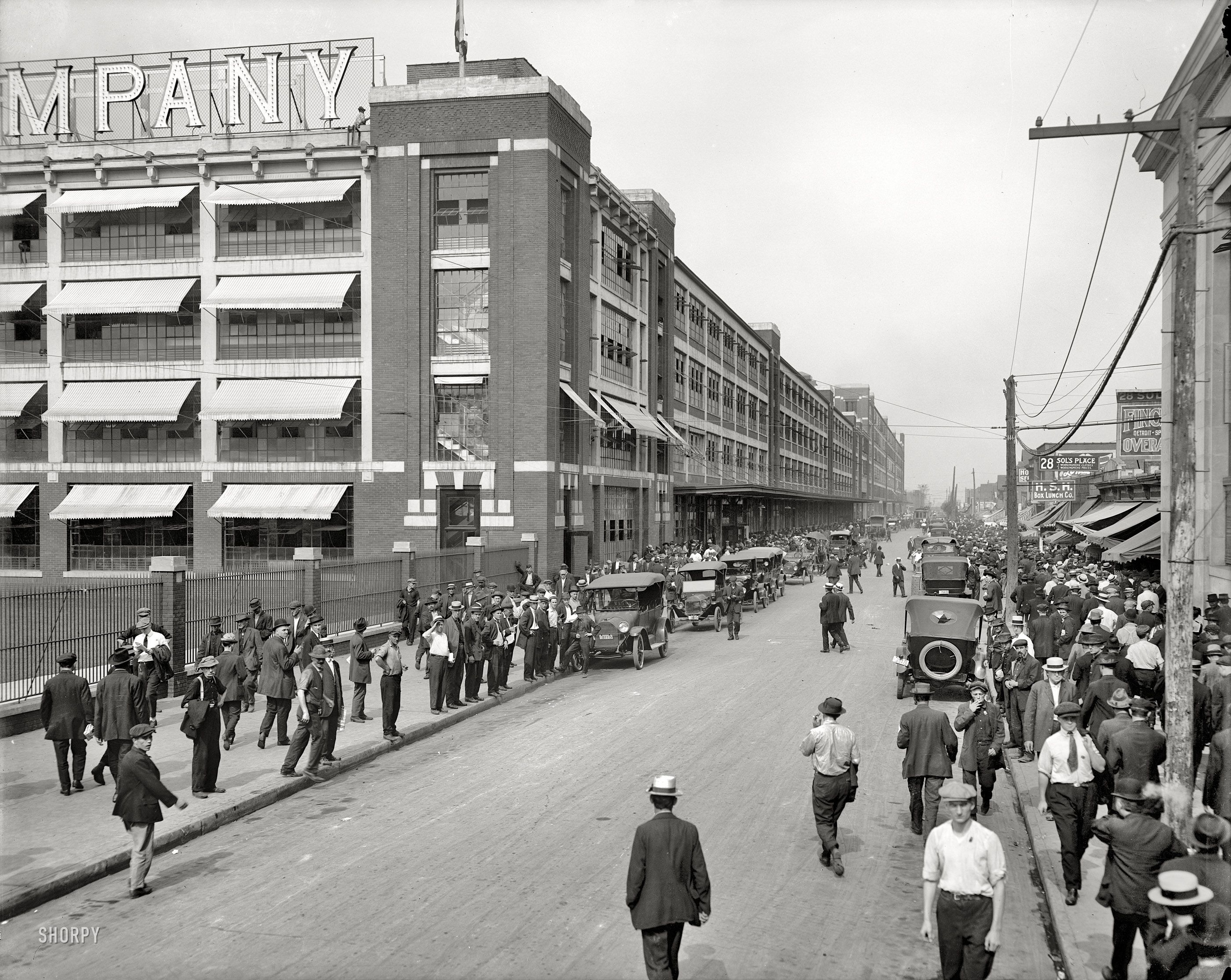 Shorpy Saturday Ford Factory 1916 Ford Motor Company Detroit