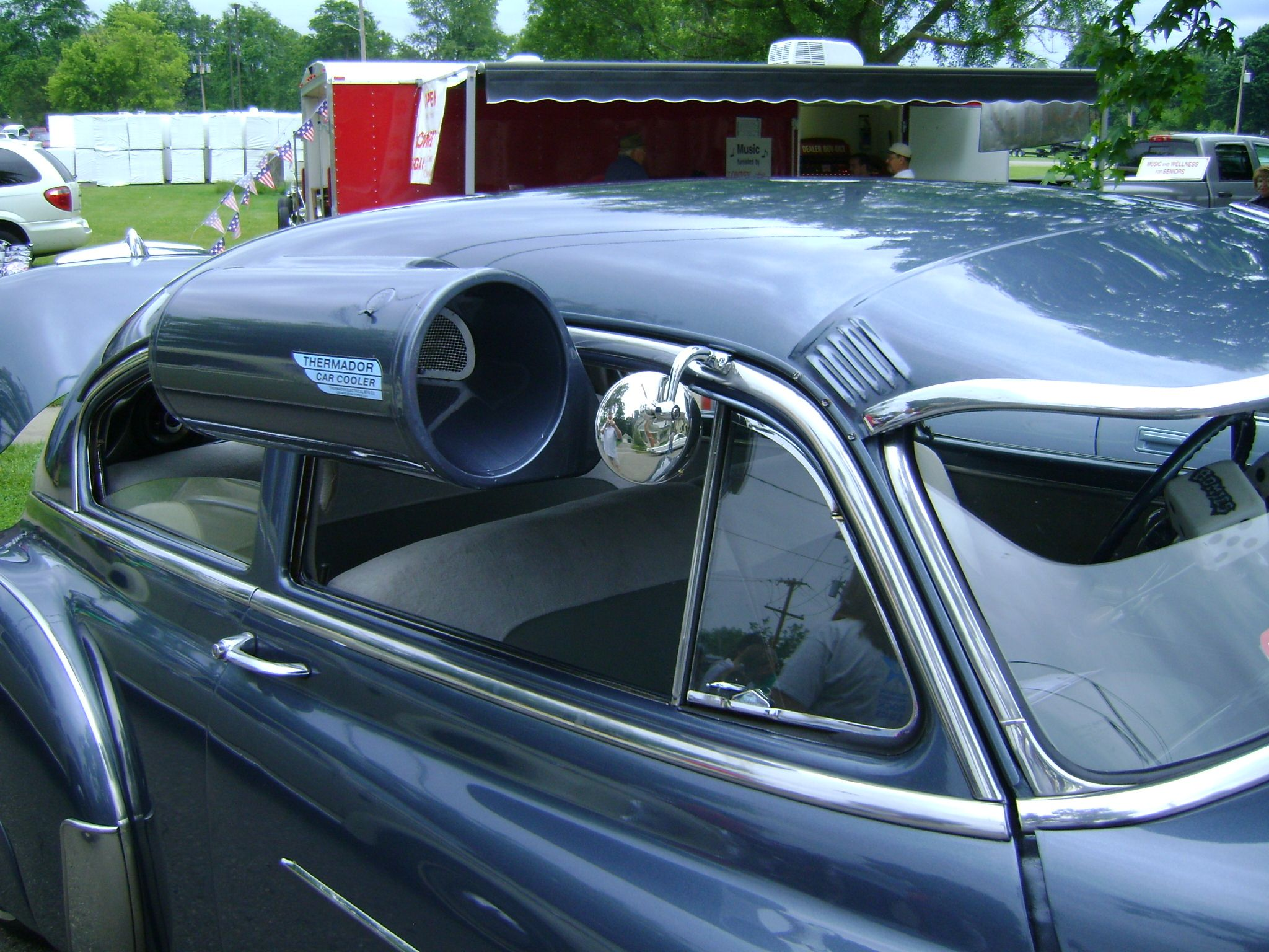 I remember having something like this on our Ford Fairlane Station ...