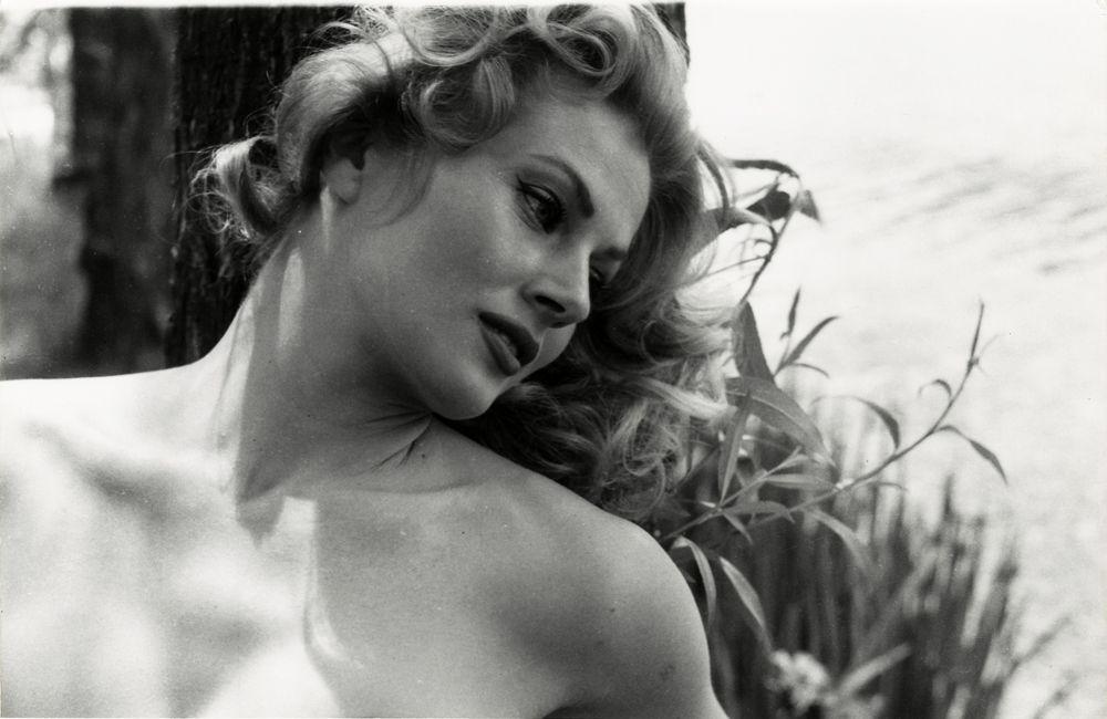Anita Ekberg by Peter Basch   Anita ekberg, Hollywood icons, Magazine photographers