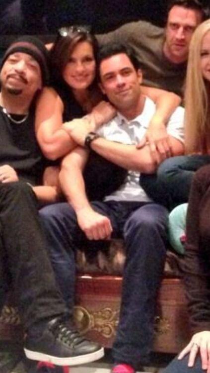 detektiv Amaro og Rollins dating
