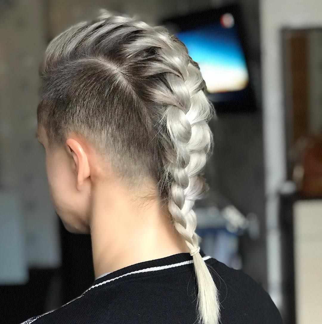 girl with shaved sides / mohawk hairstyle #hairdare #womenshair