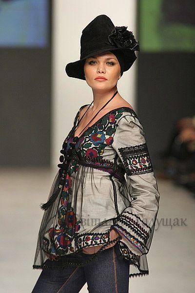Gallery.ru / Фото #19 - Вишиванки від Роксолани Богуцької (знайдено в інтернеті) - svetik67