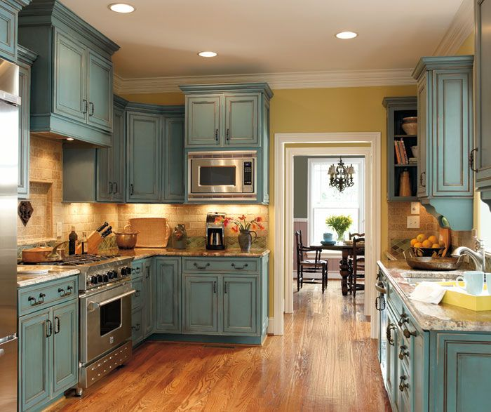 Decora cabinets in turquoise rust love these house - Cocinas dos hermanas ...