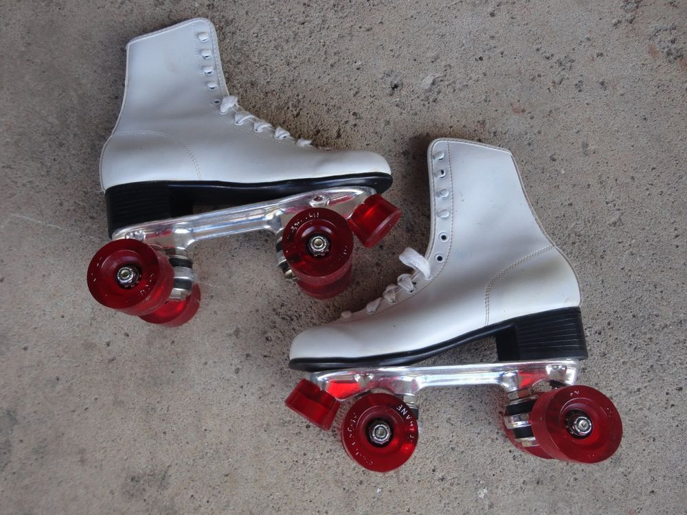 Vintage Women's Chicago Roller Skates Size 6 White Red Wheels Rink Derby Deluxe  #Chicago