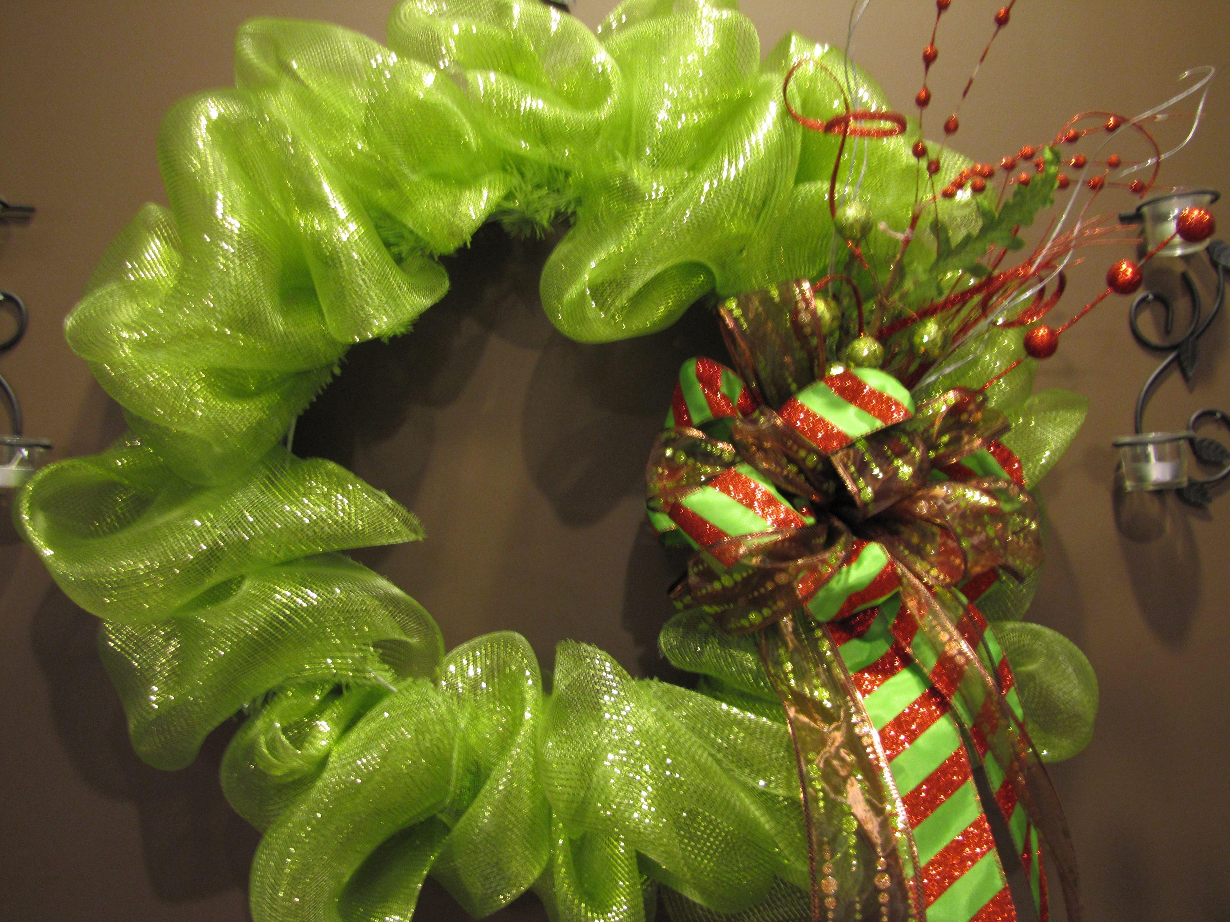 green/bronze wreath