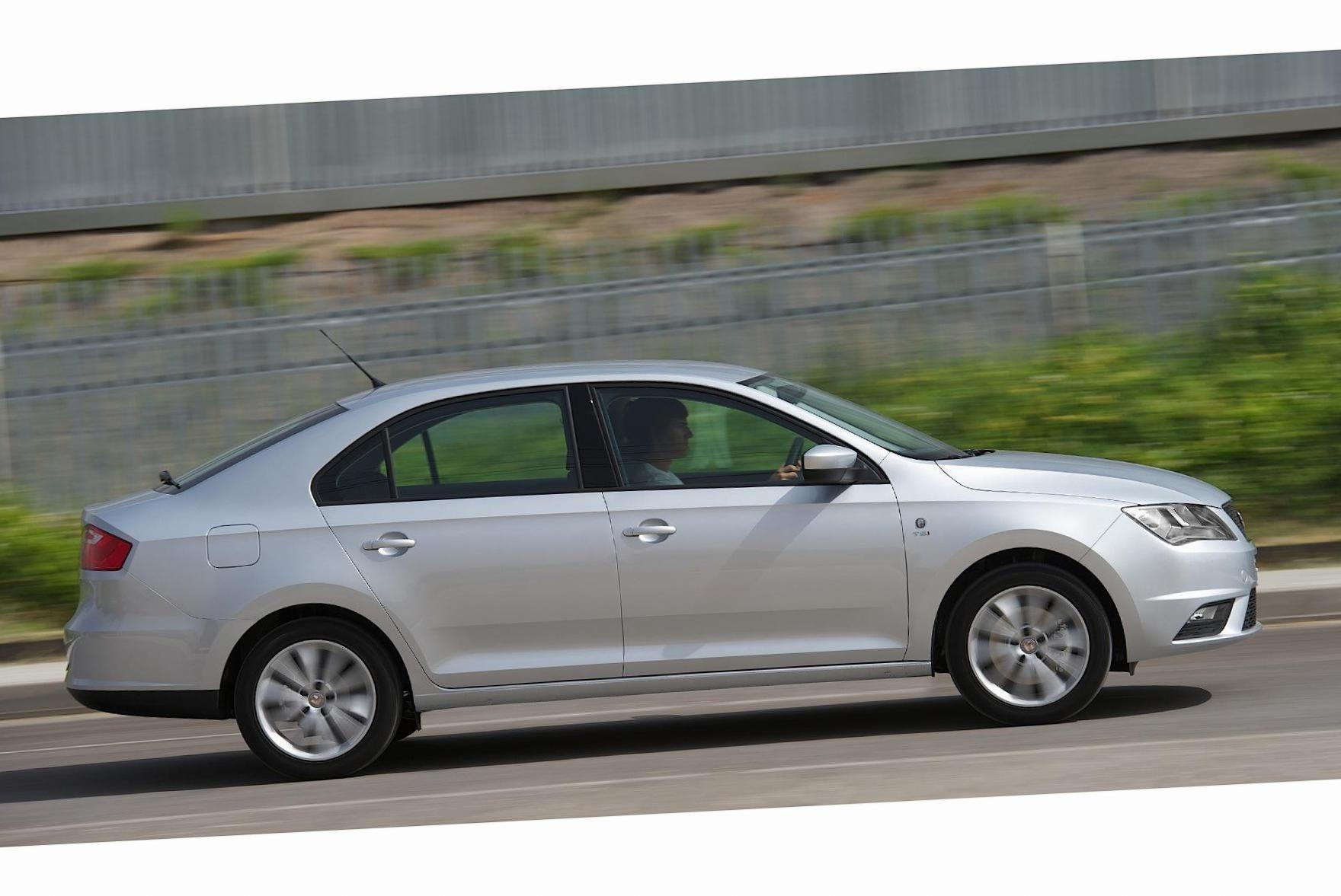 Seat Toledo Photos and Specs. Photo: Toledo Seat new and ...