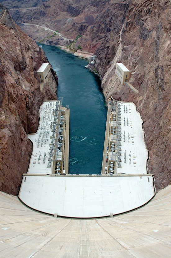 Hoover Dam, located on the Colorado River, has a length of 1,244 feet and a height of 726 feet.