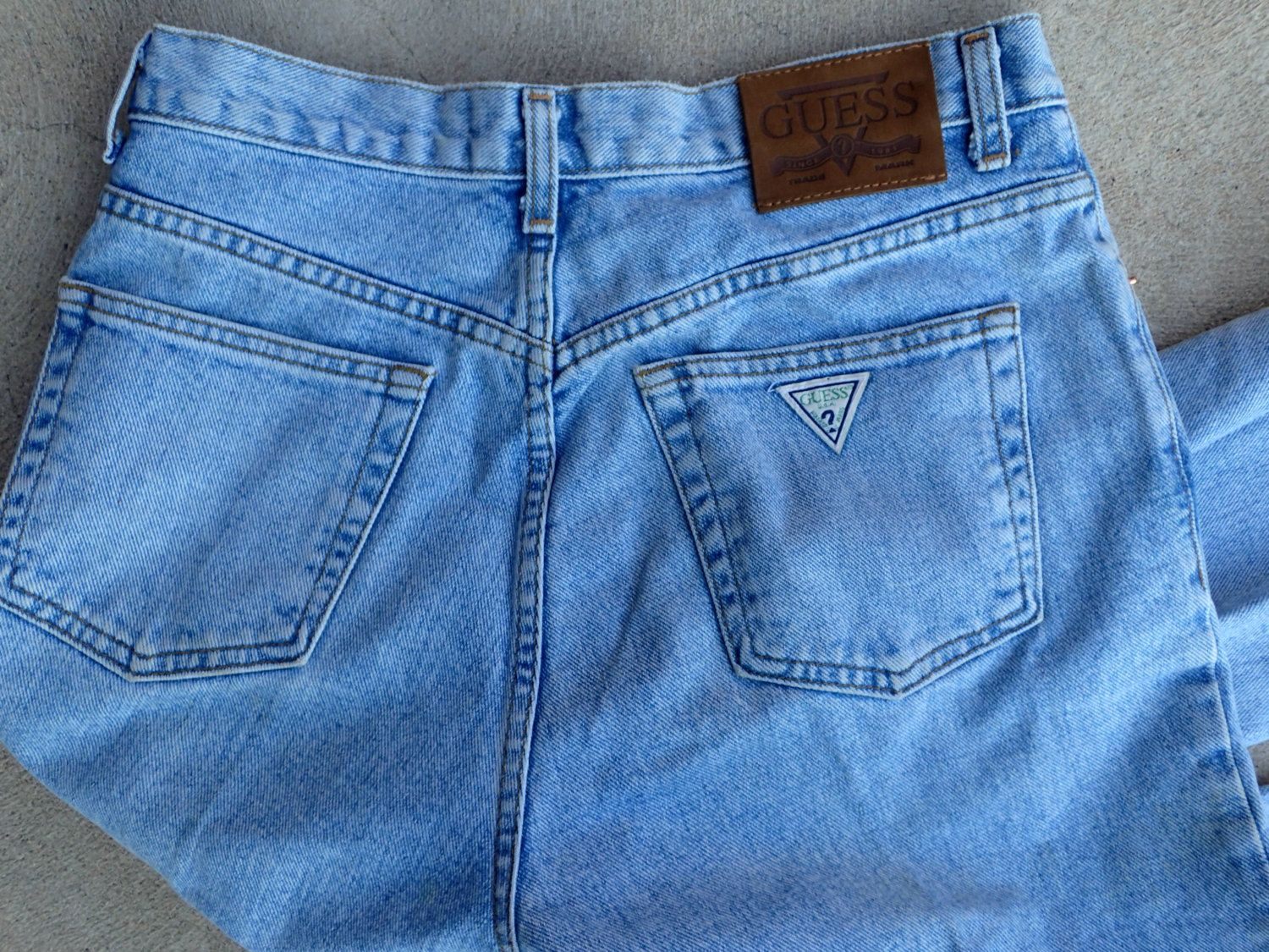 87bfcc9d2f90c Mens Vintage GUESS Jeans Classic Fit - Straight Leg - 32 x 34 - Cotton -  001 - Light Wash - Made in the U.S.A. by DOINGITSOBER on Etsy
