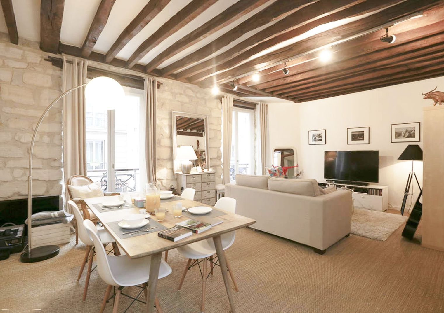Décoration Ferme De Cabassude Villa Medicis Salle à Manger Avec - Cote maison salon pour idees de deco de cuisine