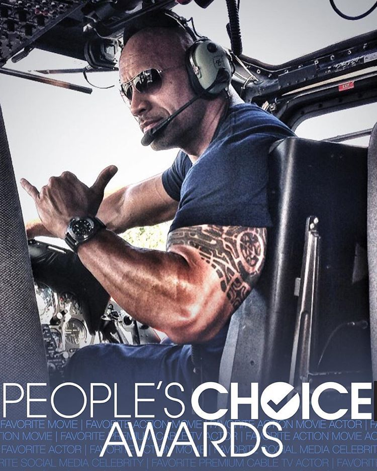 """""""THANK YOU guys so very much... Cool to lead all celebs nominated with 5 NOMINATIONS for the 2016 #PeoplesChoiceAwards Link is in my bio to vote.…"""""""