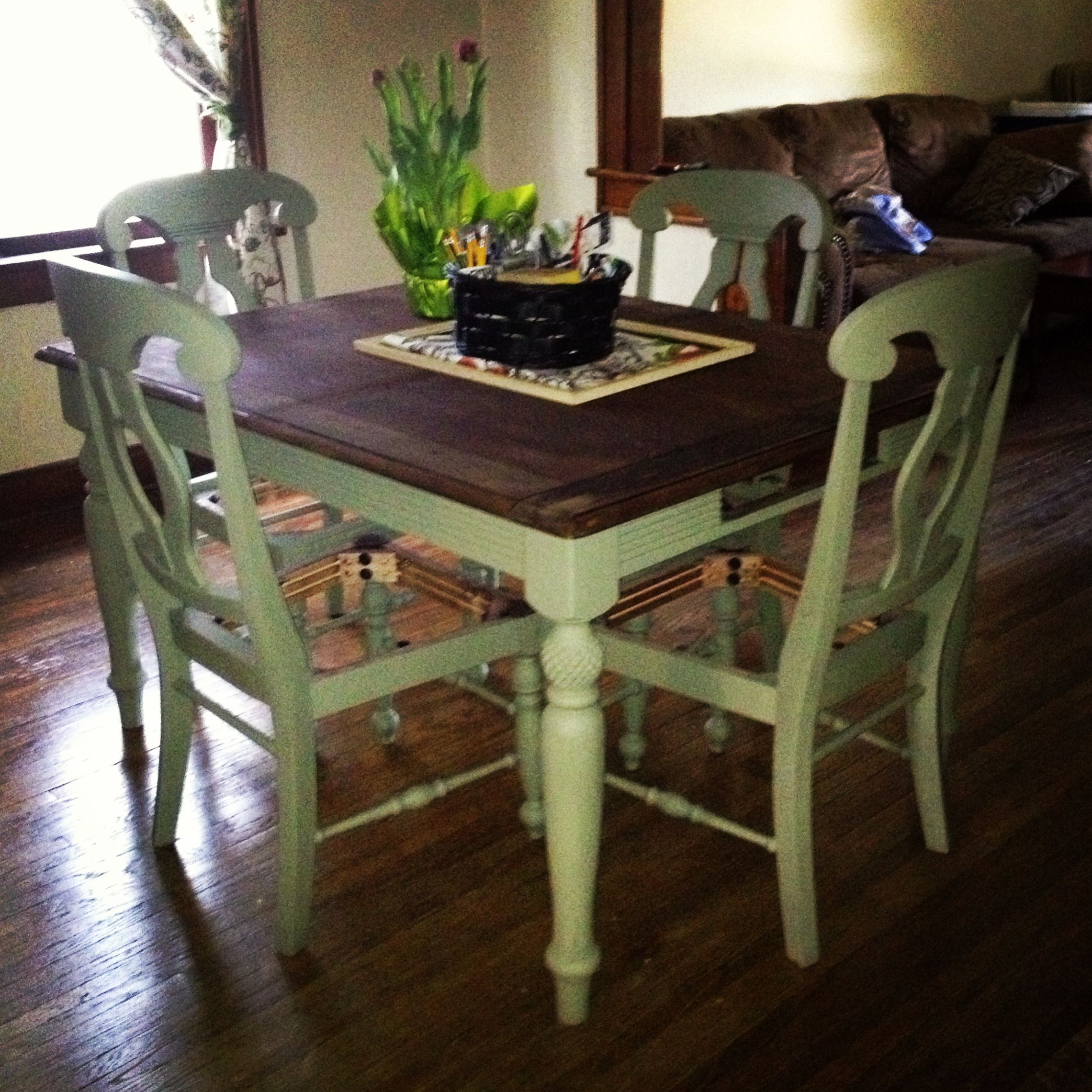 Annie Sloan Chalk Paint in Château Grey. Table top minwax English ...