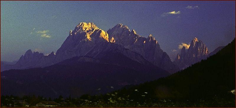 La sera nelle Dolomiti di Sesto  -  Es ist Abend in der Sextner Dolomiten