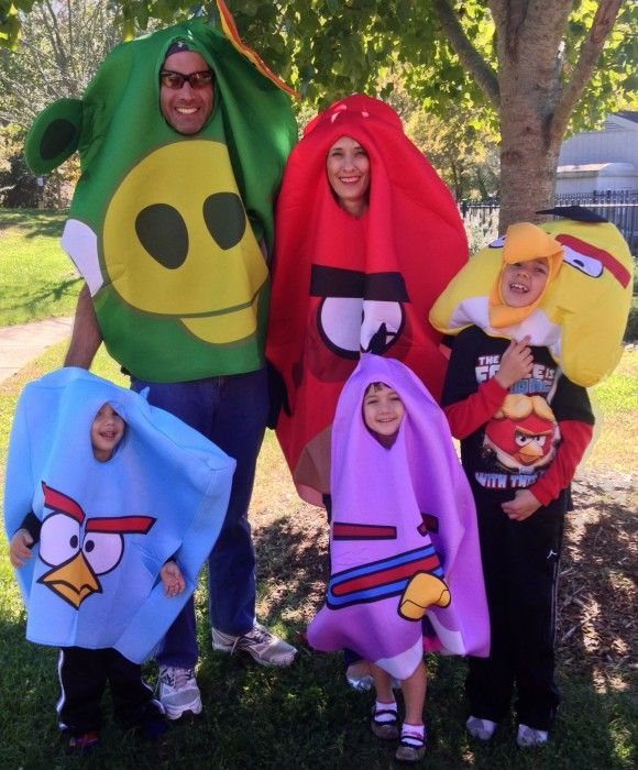 Halloween Costume Ideas For Group Of 5 Or More Real Advice Gal Family Costumes Halloween Costumes Family Halloween Costumes