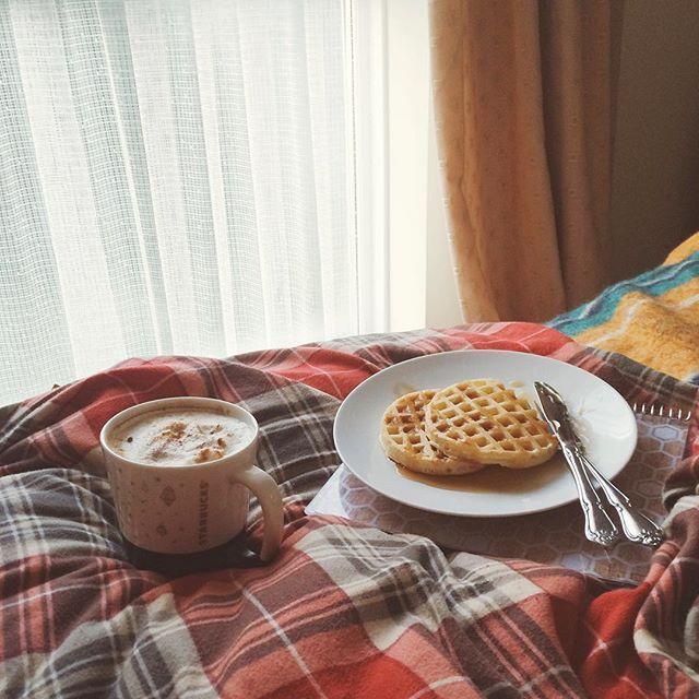 Gingerbread Latte, Breakfast In Bed