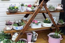 Resultado de imagem para escada + horta