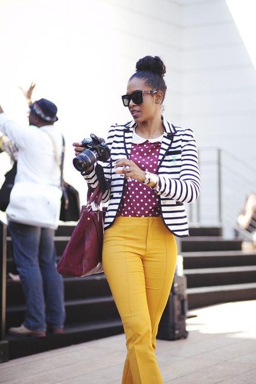 Mixing patterns like a boss.  Amazing sense of style Mustard +polka dots + and stripes #fahion #design (via Street Style)