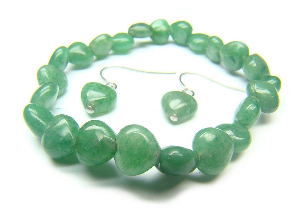 Aventurine Heart Shape 8mm Natural Crystal Bead Bracelet - See more at: http://waggashop.com/wagga-shop-aventurine-heart-shape-8mm-natural-crystal-bead-bracelet