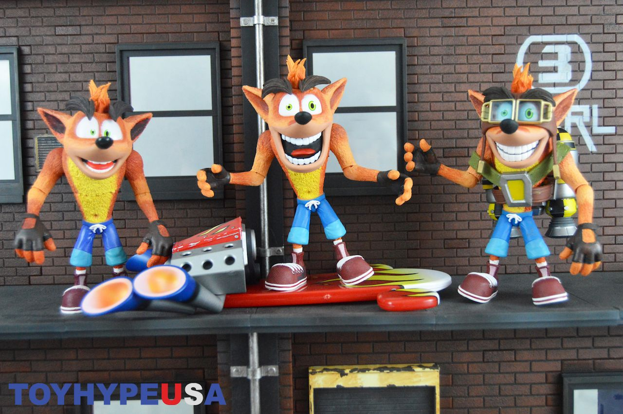 NECA Toys Crash Bandicoot With Jet Pack Figure Review