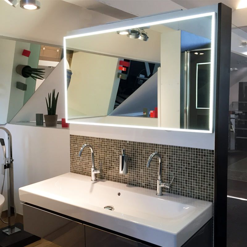 Nice Gro e Spiegel reflektieren Licht genau was man in einem kleinen Badezimmer braucht hardys
