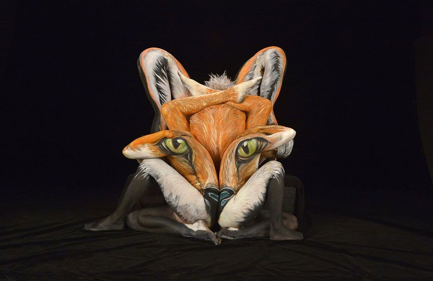 Artist Masterfully Turns Humans Into Animals Using Body Paint - Amazing body art transforms people animals human organs