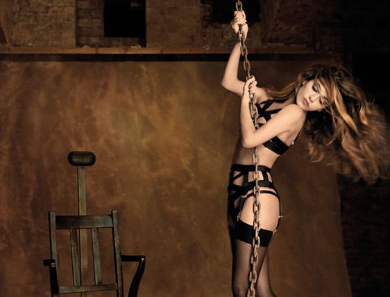 Agent-Provocateur_AW12_Whitney_2