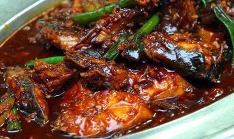 Indisch eten!: Pindang ketjap van vis: makreel in zoetzure hete ketjapsaus