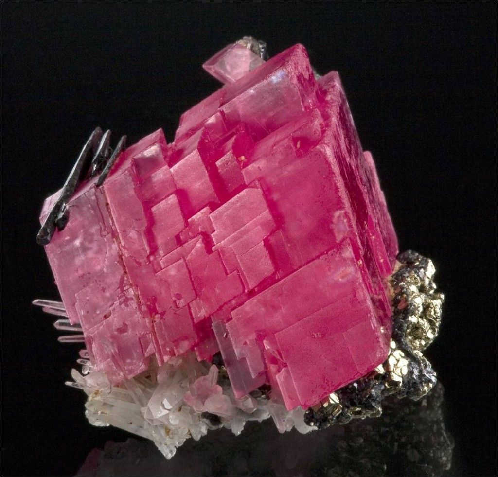 Rhodochrosite, Hübnerite, Pyrite, Quartz ~ Sweet Home Mine, Mount Bross, Alma District, Park Co., Colorado, USA