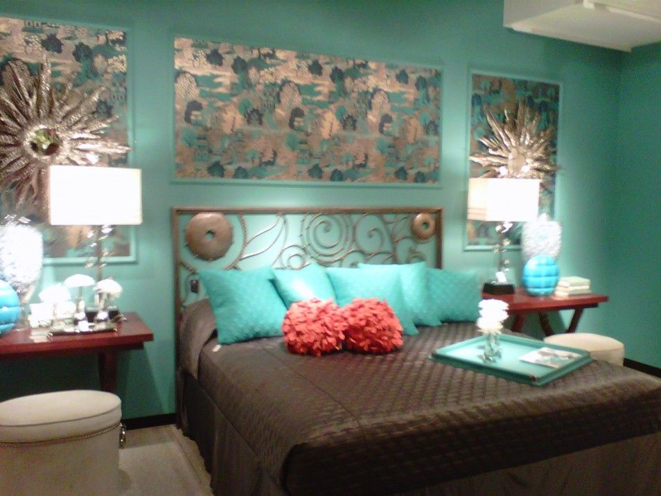 Green and brown bedroom turquoise and brown bedroom the for Green and beige living room ideas