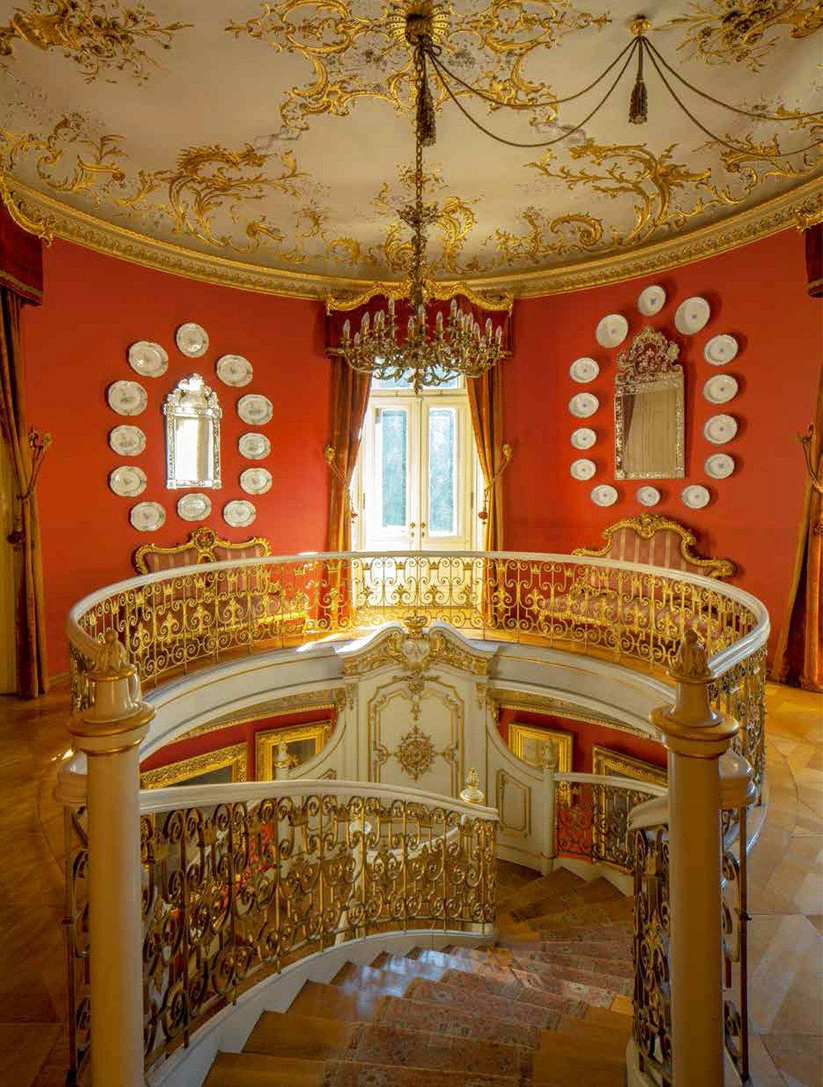 Tour The 500 Room Schloss St Emmeram Estate In Germany Palace Interior Castles Interior Beautiful Interior Design