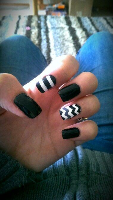 My nails match my purse :)