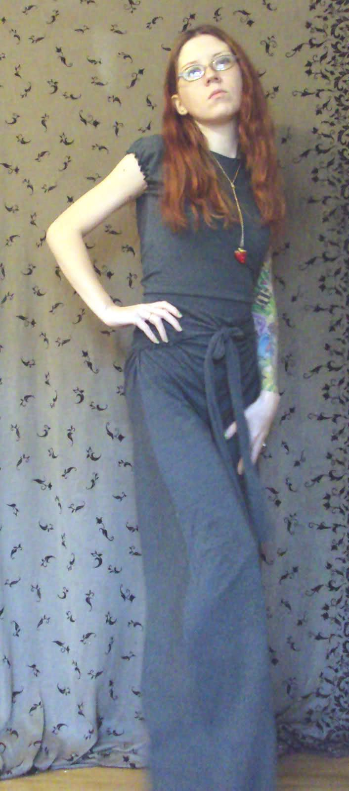 Hidden butt flap jumpsuit tutorial - I could totally do this in a ...