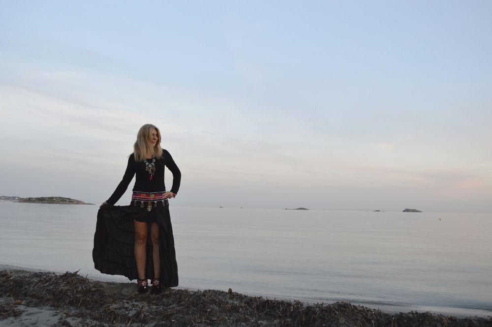 Falda Free Love para Ibiza Trendy color negro