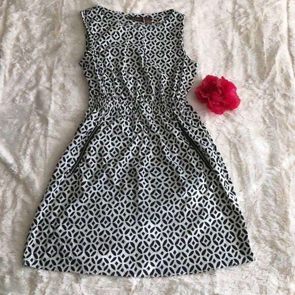 Black and white monochromatic sassy dress!  Black and white monochromatic sassy dress!  Dresses Midi