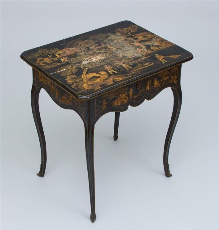 LOUIS XV BLACK LACQUER AND PARCEL GILT DRESSING TABLE